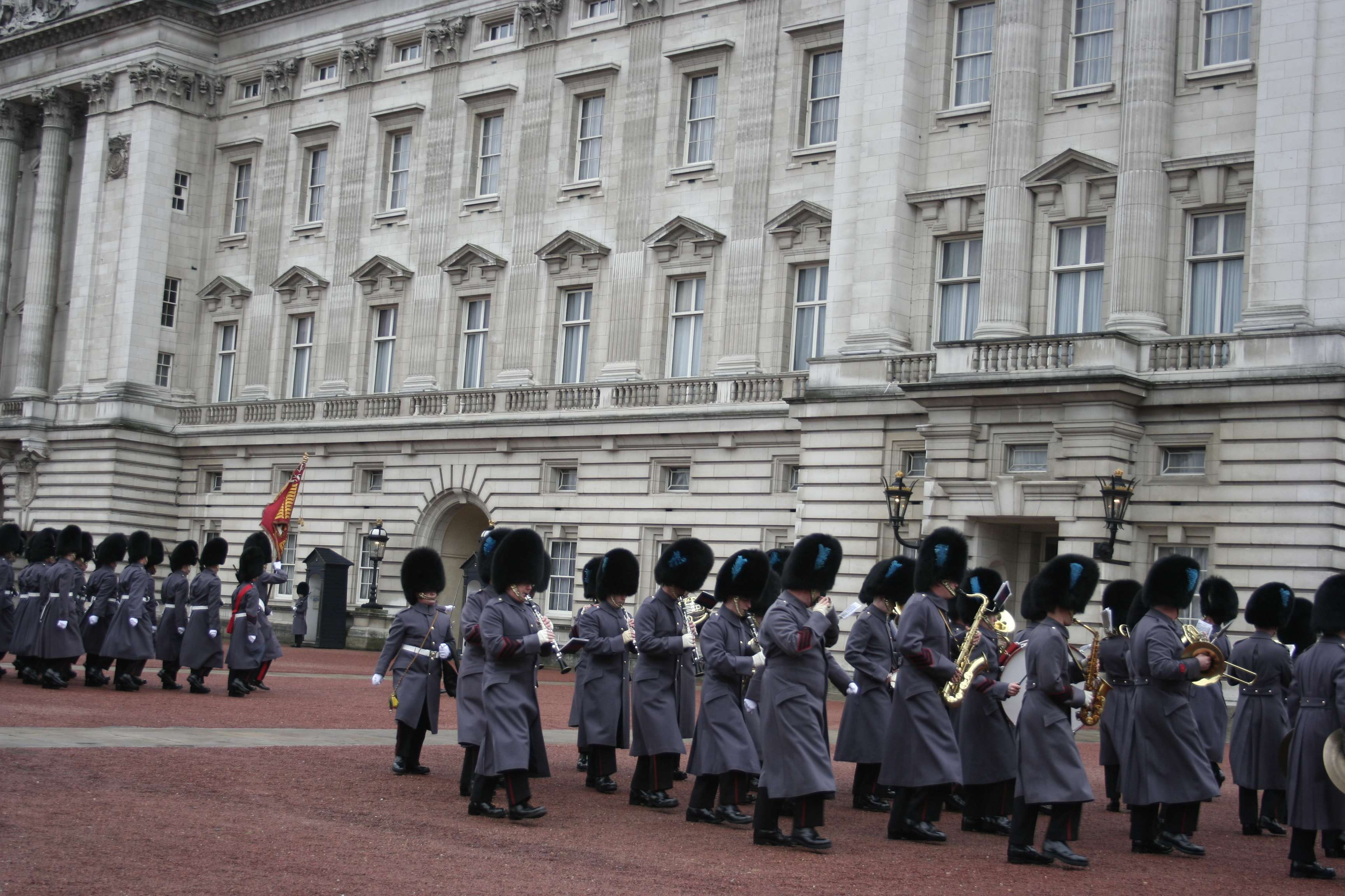London_0136 changing guards
