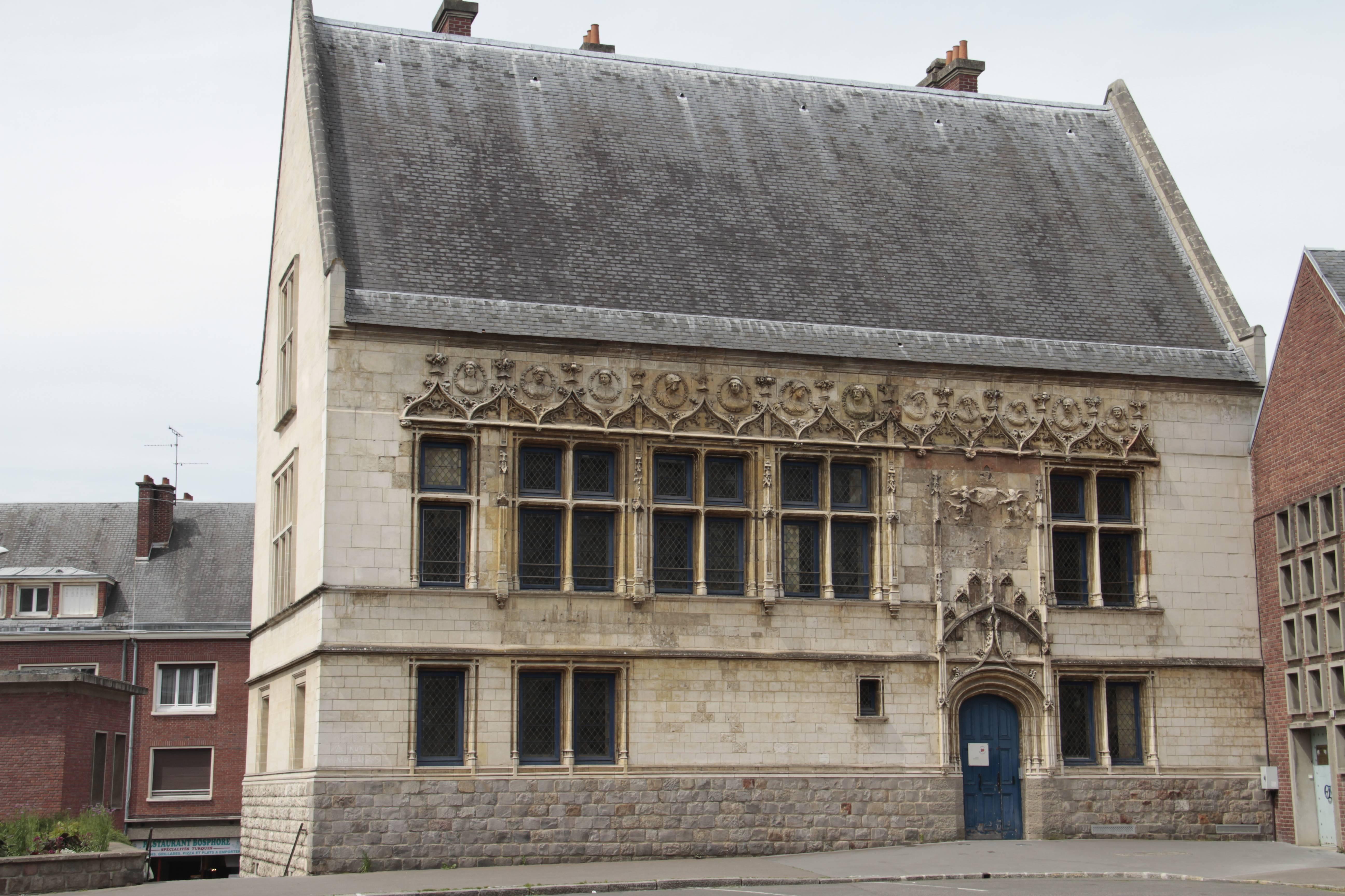 Baie de Somme mai 2015_0027 Amiens rue St Jacques