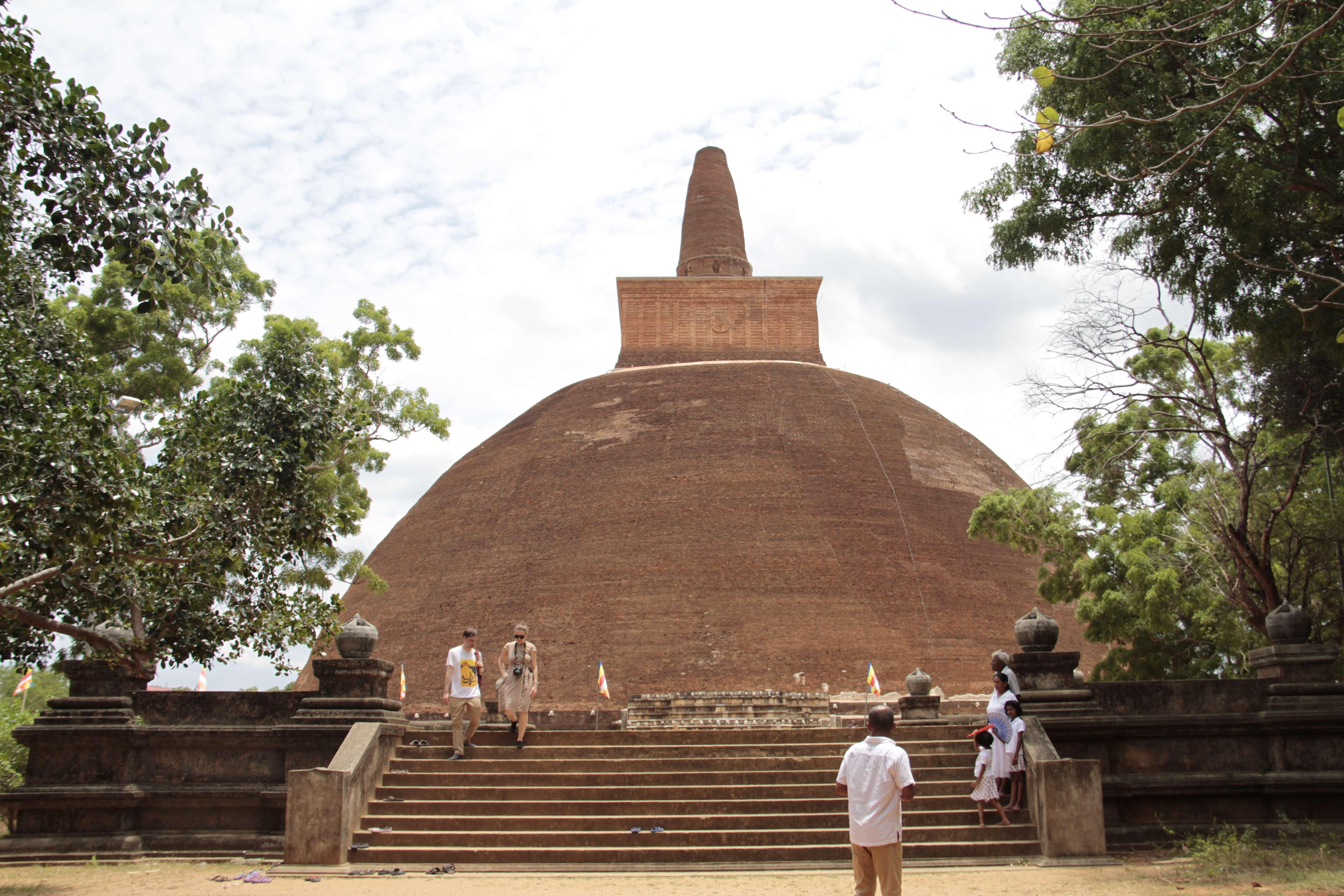 Sri Lanka aout 2017_0333 Anuradhapura Dagoba Abhayagiri