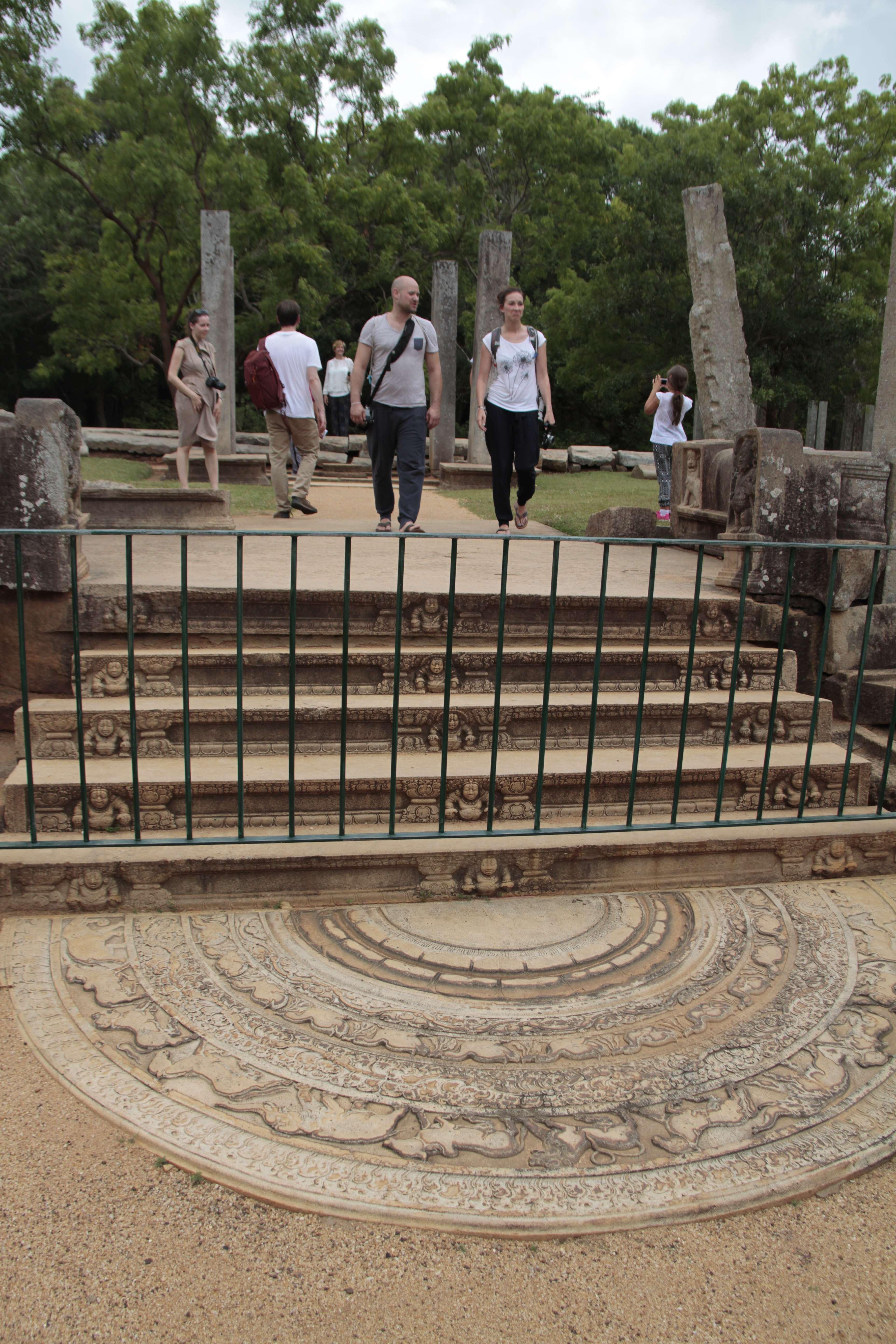 Sri Lanka aout 2017_0336 Anuradhapura Mahasena temple