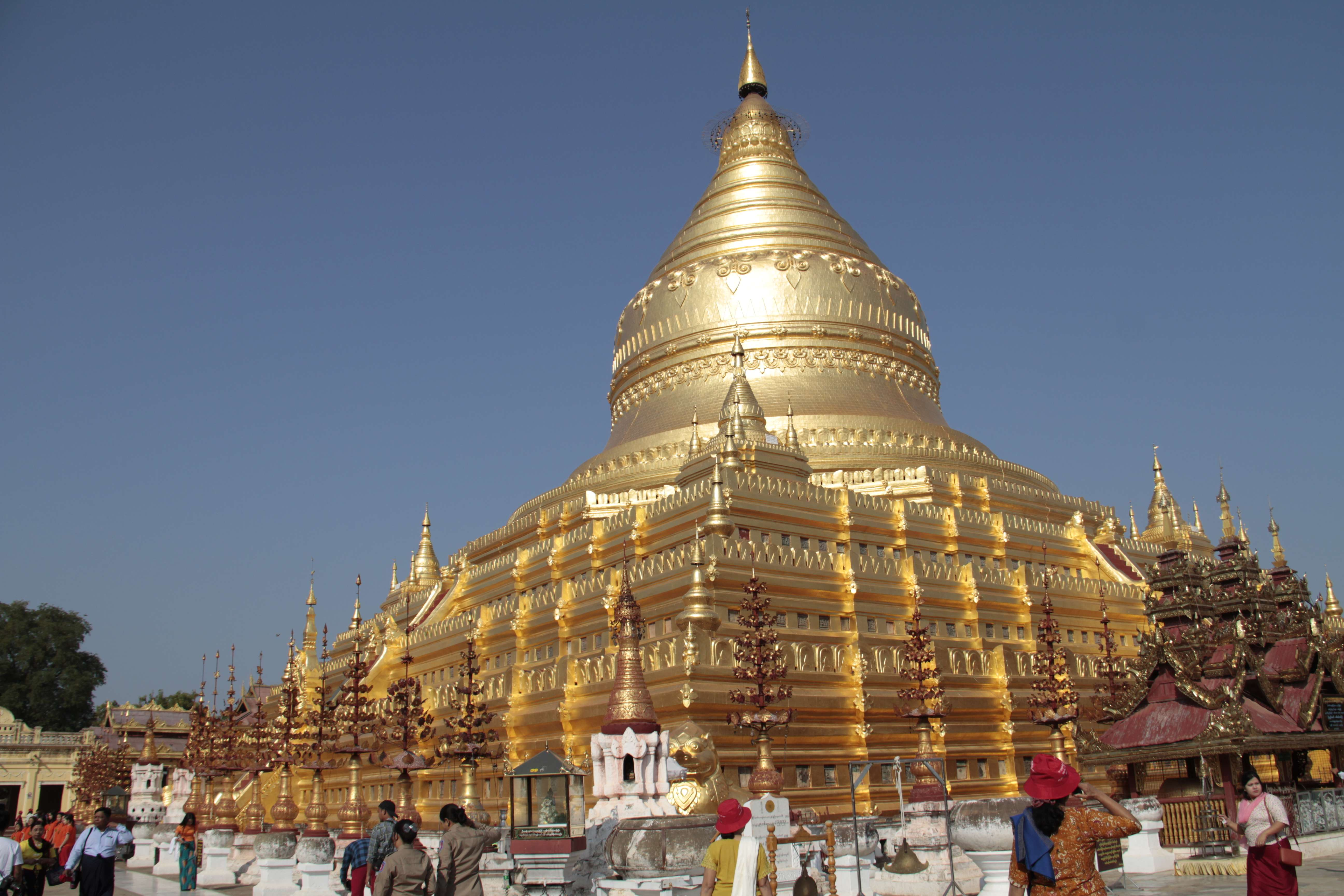 Myanmar fevrier 2019_0140 Bagan Shwezigon pagoda