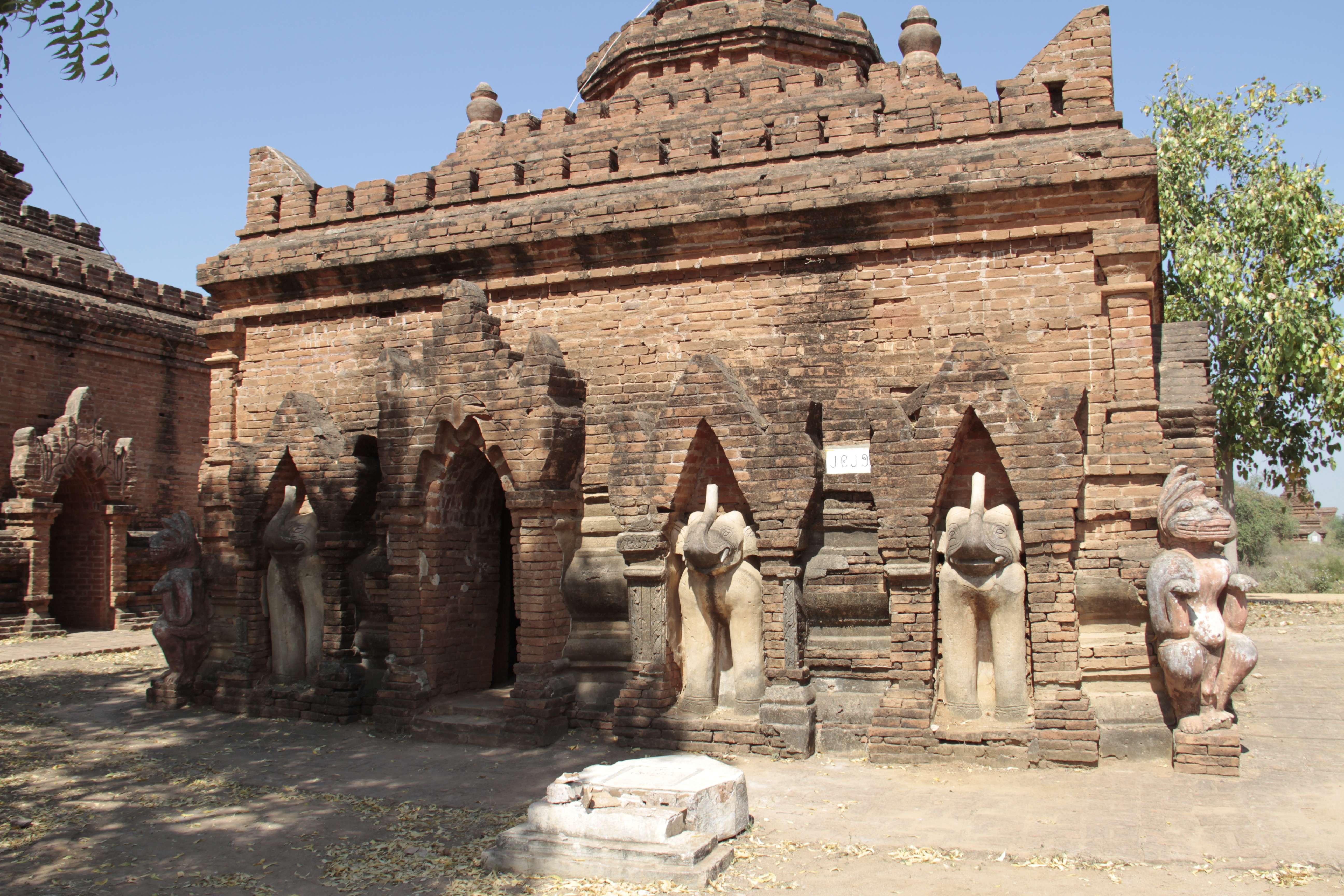 Myanmar fevrier 2019_0330 Bagan temples au carrefour Bagan road et Taugyi road