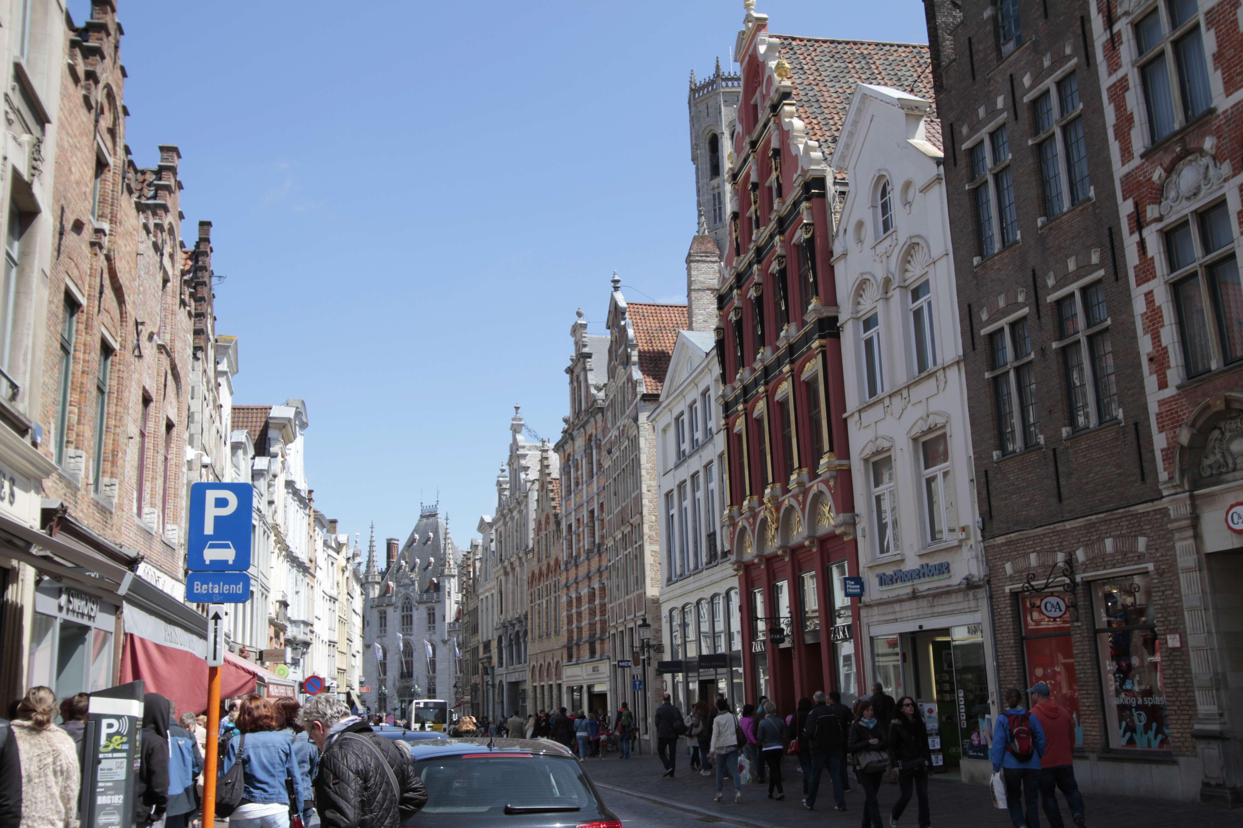 Belgique mai 2015_0148 Bruges entre beguinage et Markt