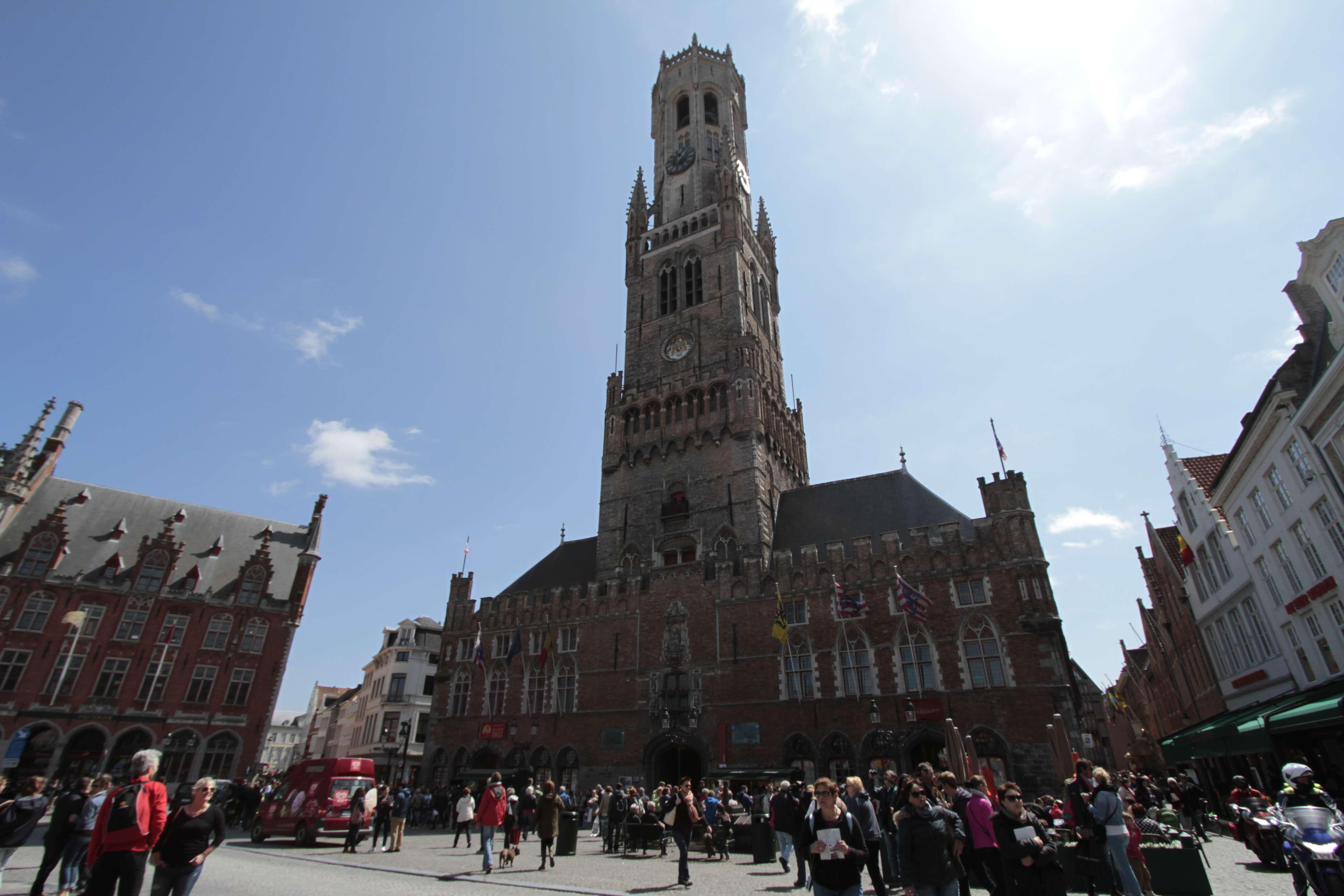 Belgique mai 2015_0150 Bruges Markt le beffroi