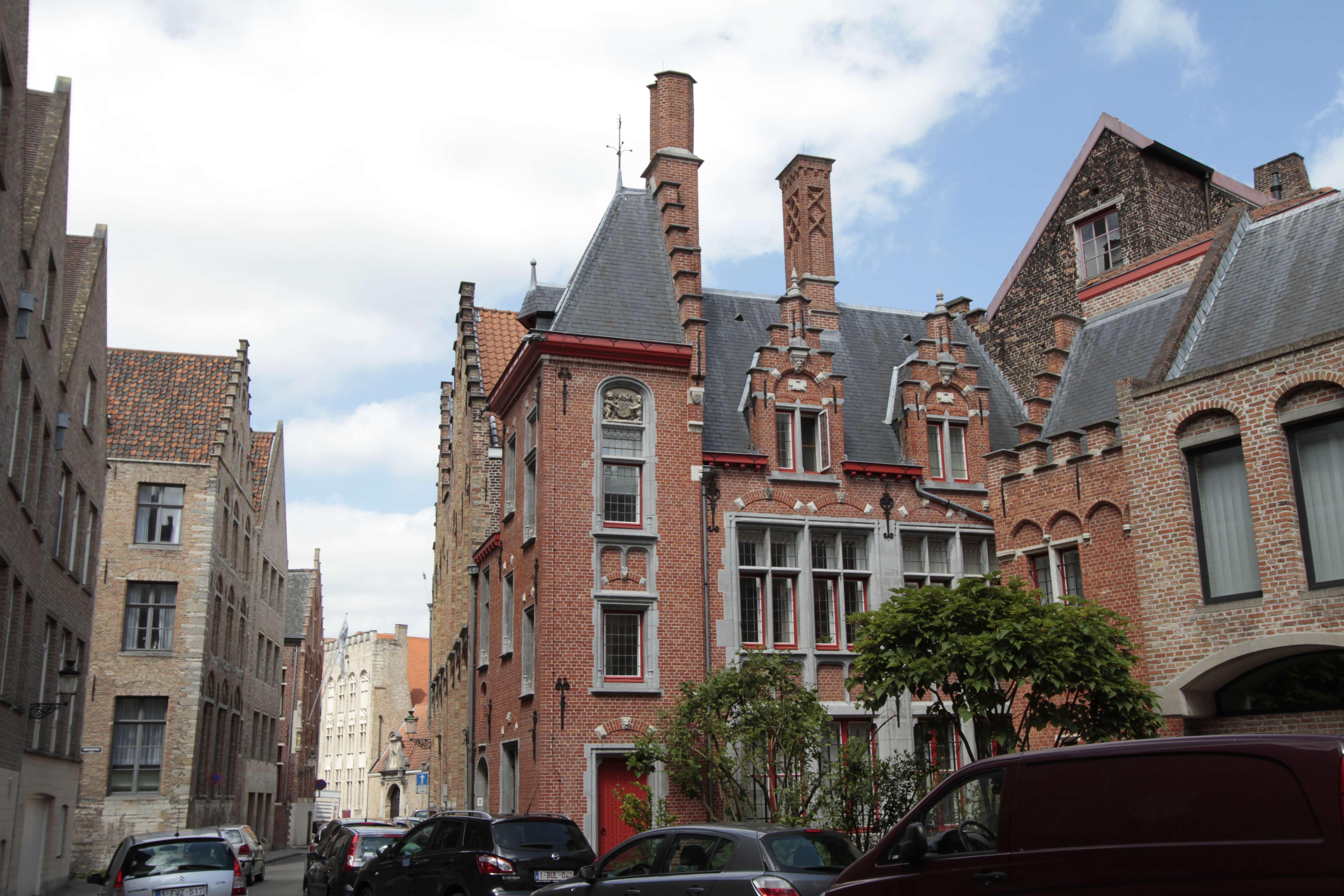 Belgique mai 2015_0167 Bruges entre Burg et Jan van Eyckplan