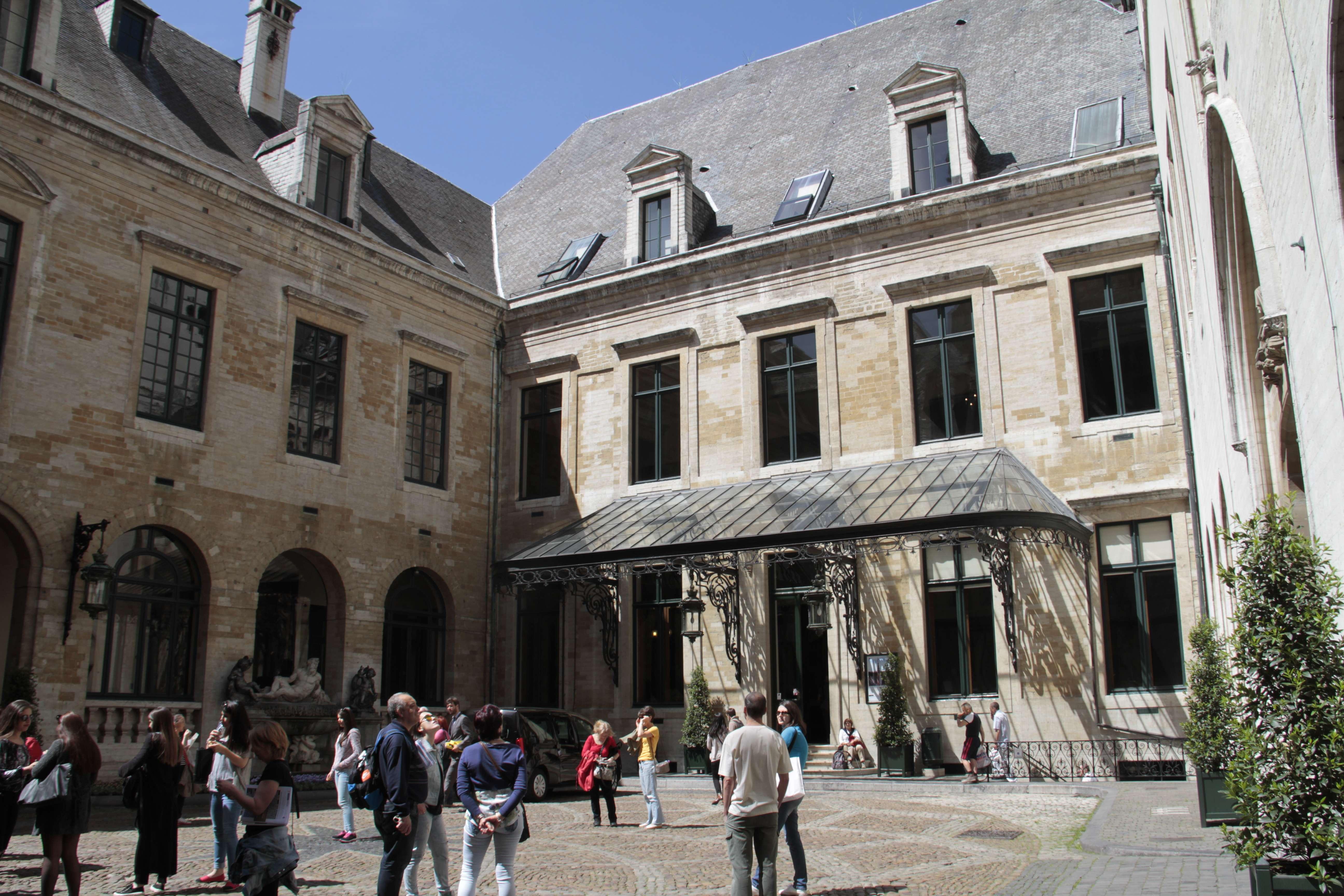 Belgique mai 2015_0017 Bruxelles Grand Place cour Hotel de Ville