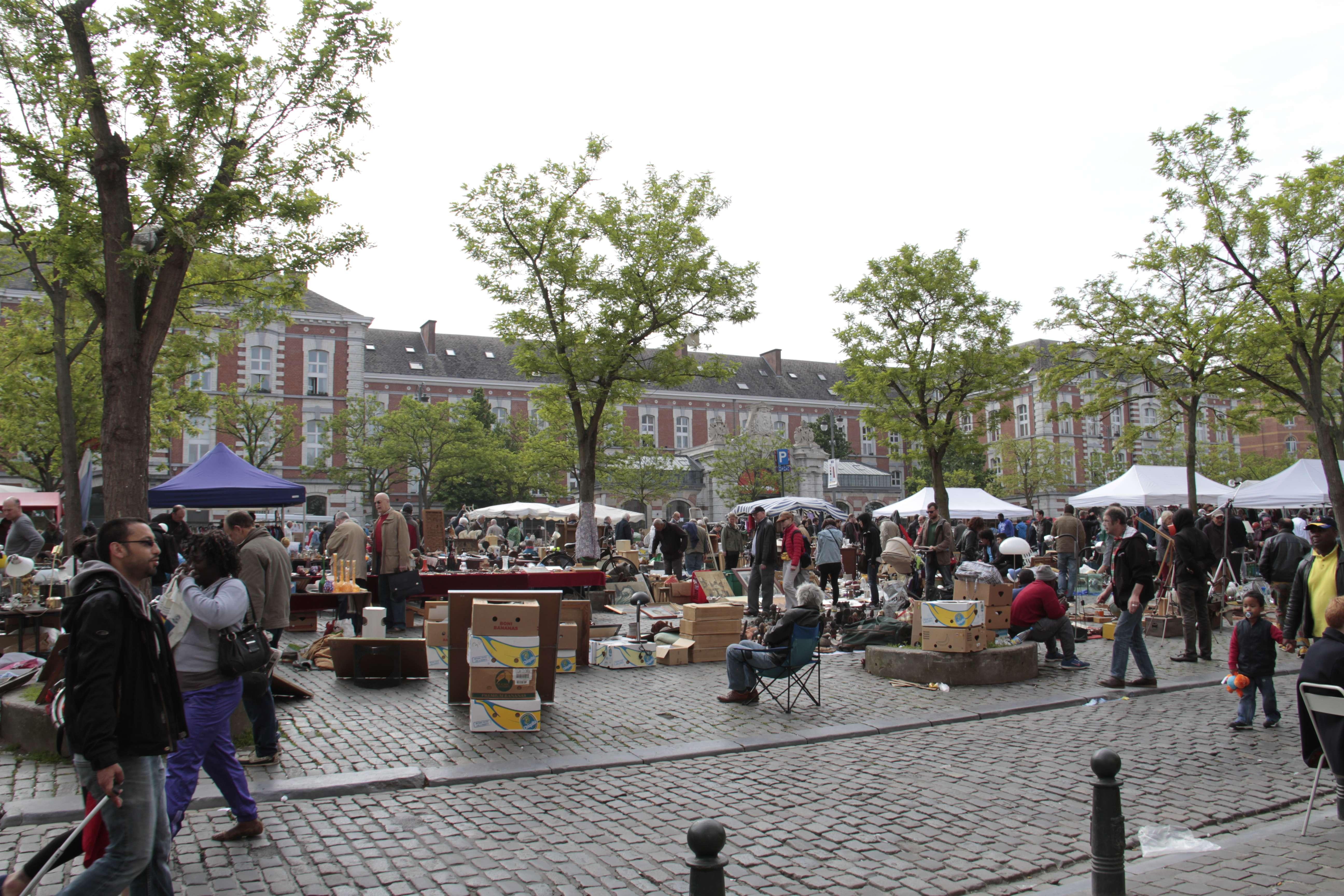Belgique mai 2015_0289 Bruxelles Marolles place du jeu de Balle