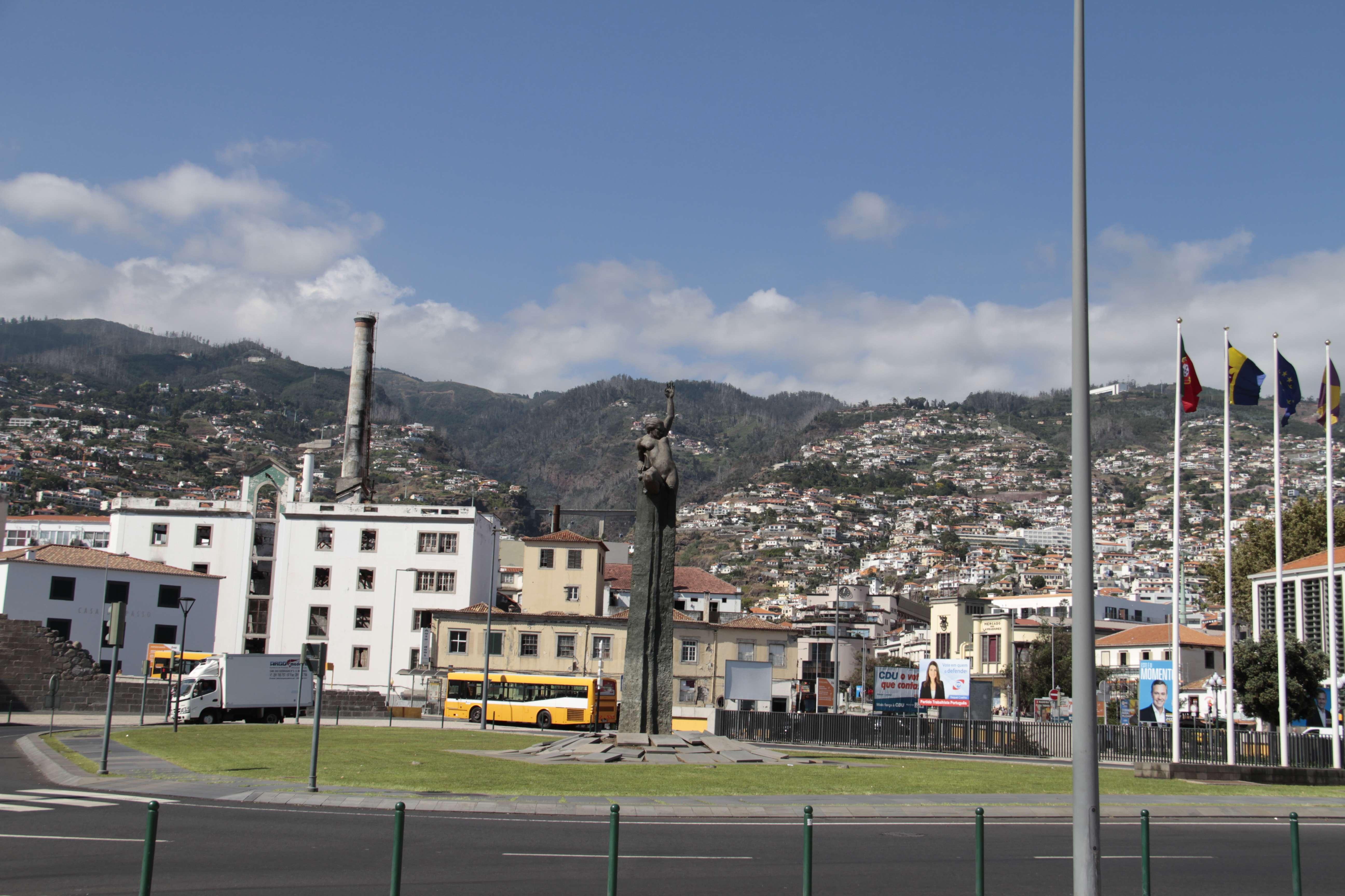 Madere aout 2019_0059 Funchal place de l'autonomie