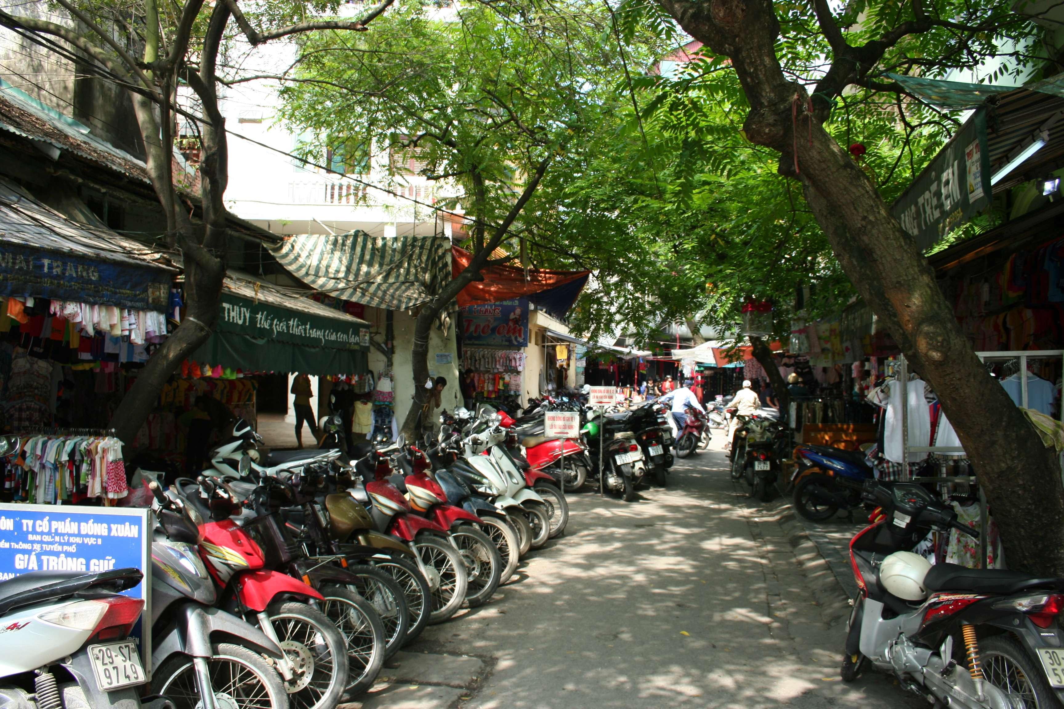 20120408_001 rue dans Hanoi