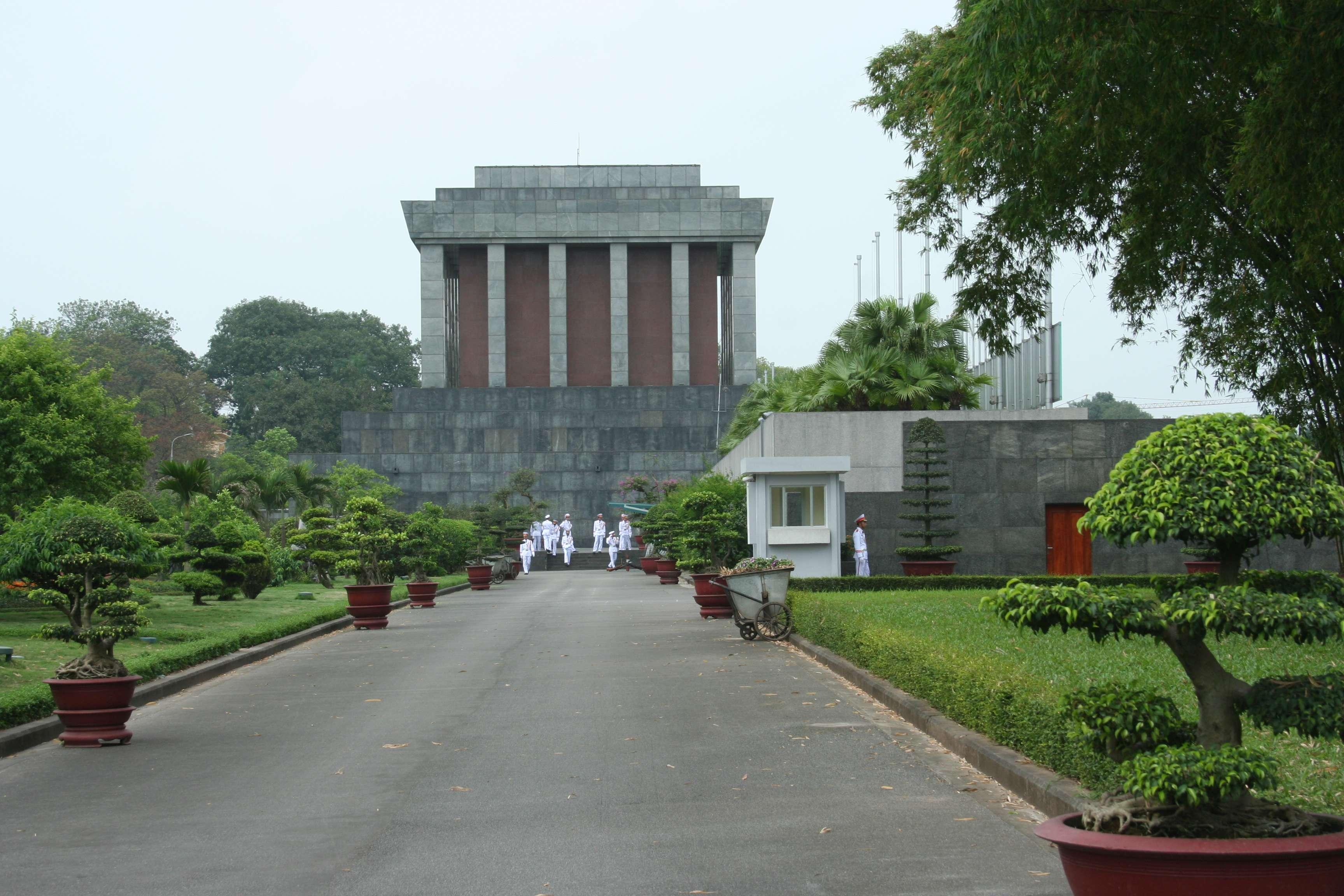 20120409_077 Han Oi musolee Ho Chi Minh