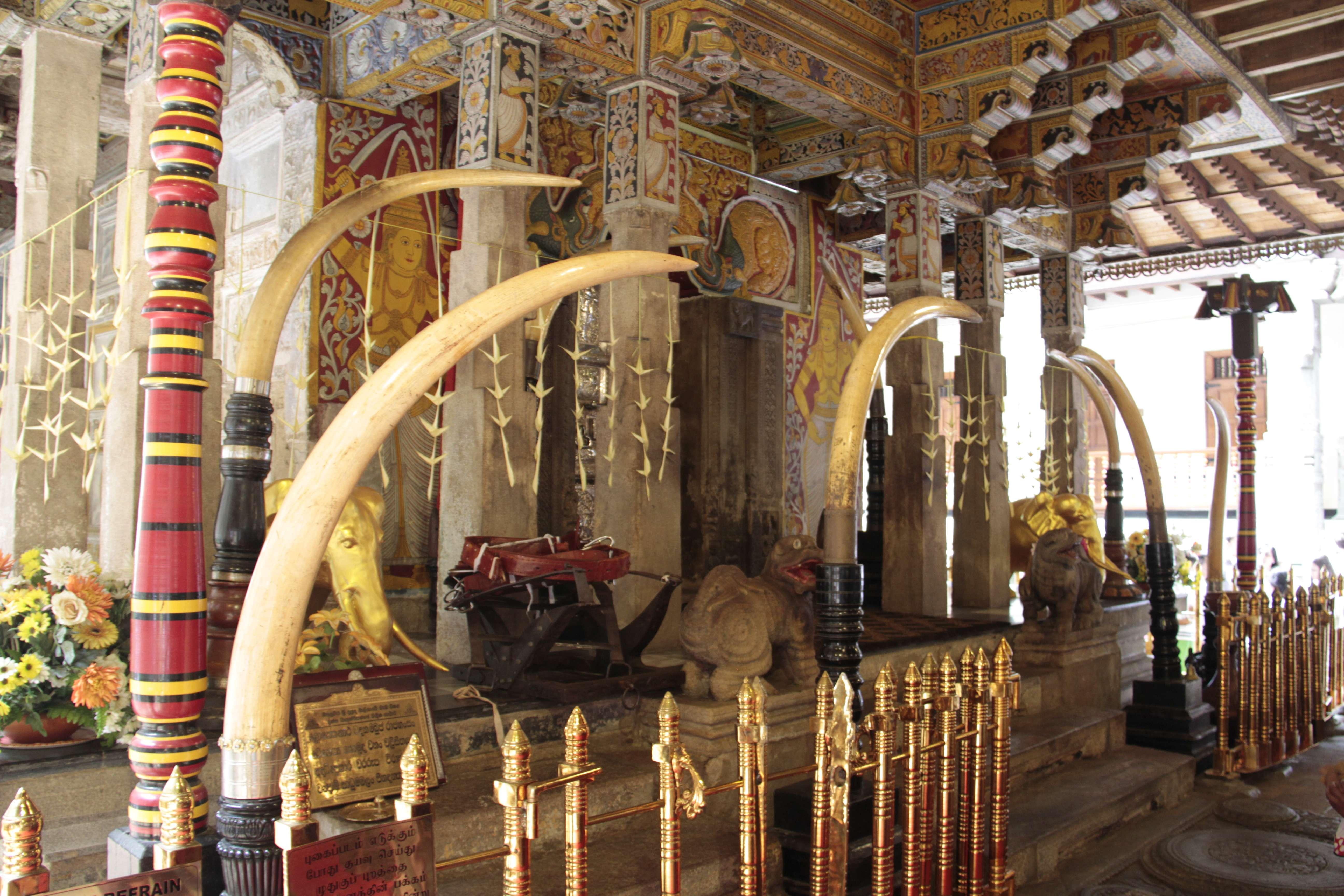 Sri Lanka aout 2017_0078 Kandy Sri Dalada Veediya tempke de la dent sacree