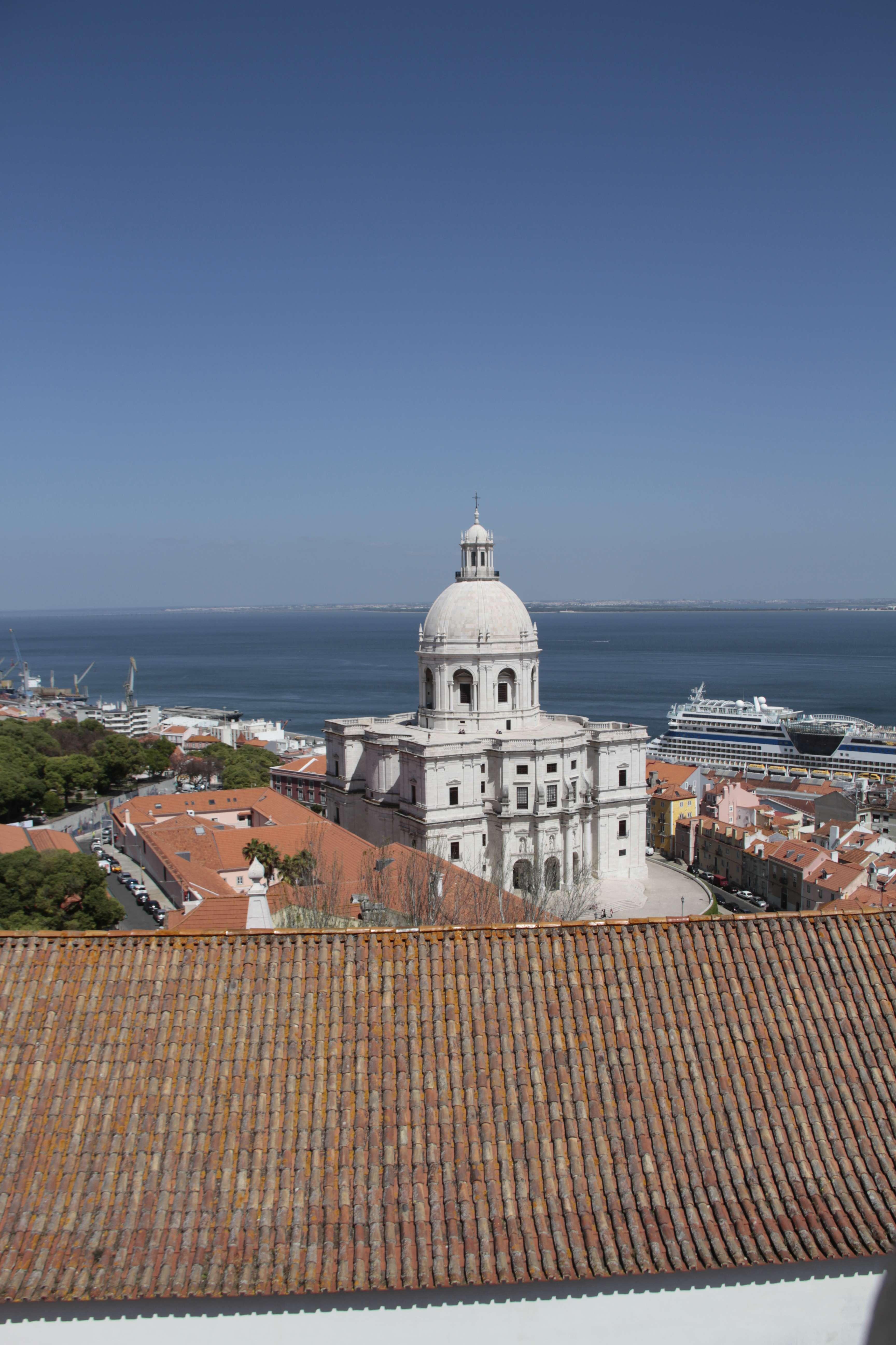 Portugal mai 2018_0256 Lisbonne Alfama pantheon depuis Monastere Saint Vincent