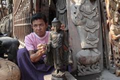 Myanmar fevrier 2019_0944 Mandalay atelier artisan bois et tissus