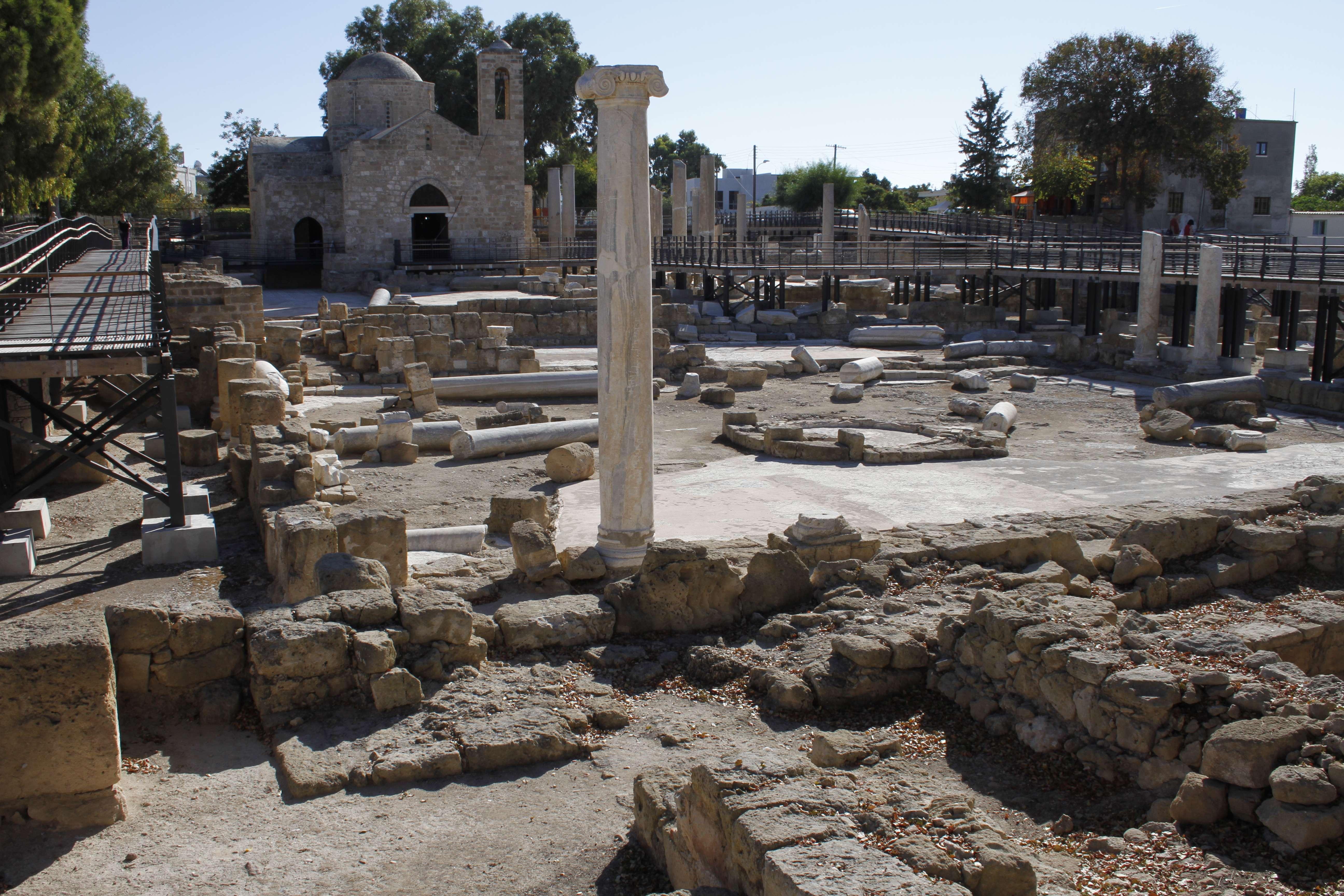 Chypre_0174 Paphos basilique Agia Kyriaki et eglise Panagia Chrysopolitisa