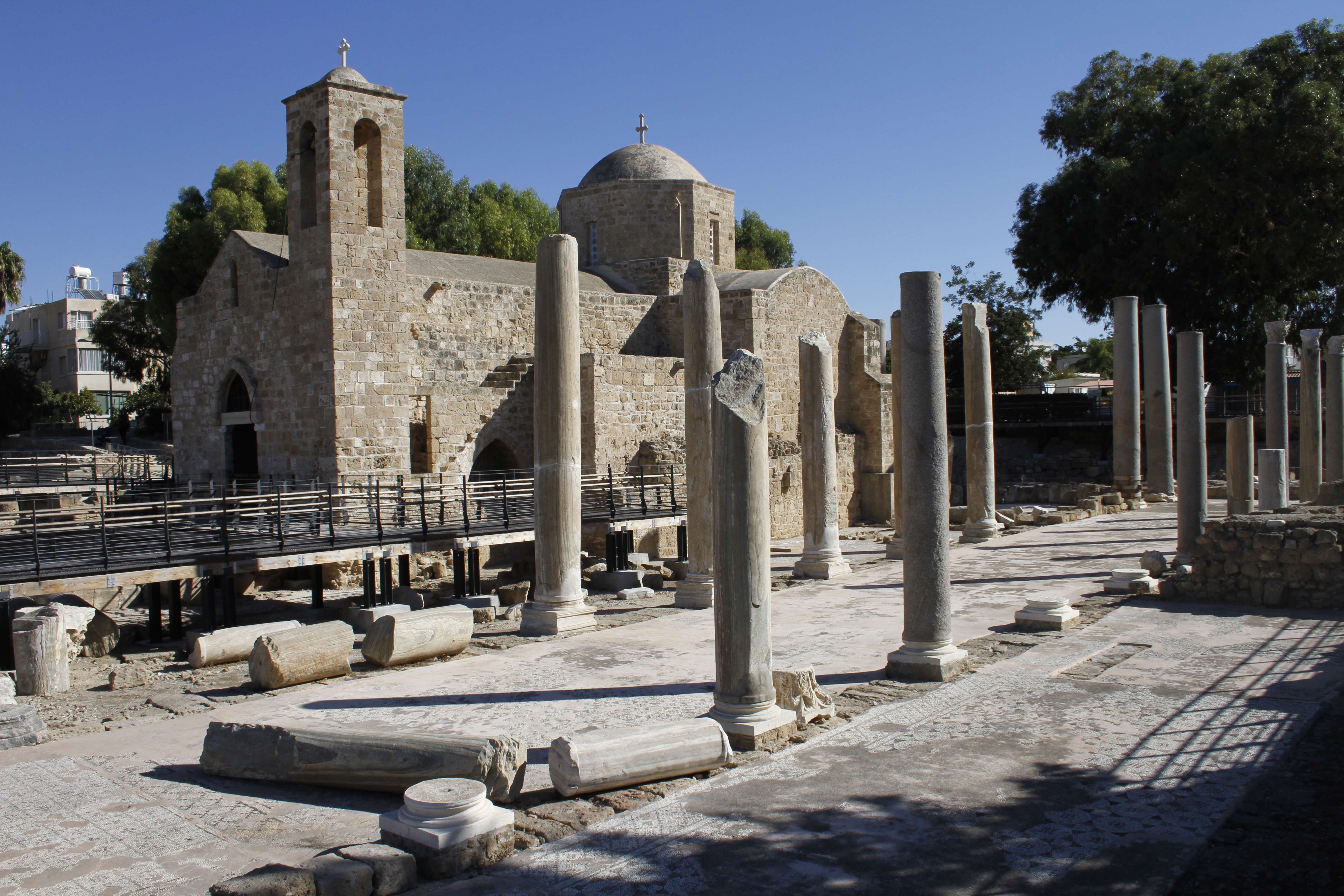 Chypre_0178 Paphos basilique Agia Kyriaki et eglise Panagia Chrysopolitisa