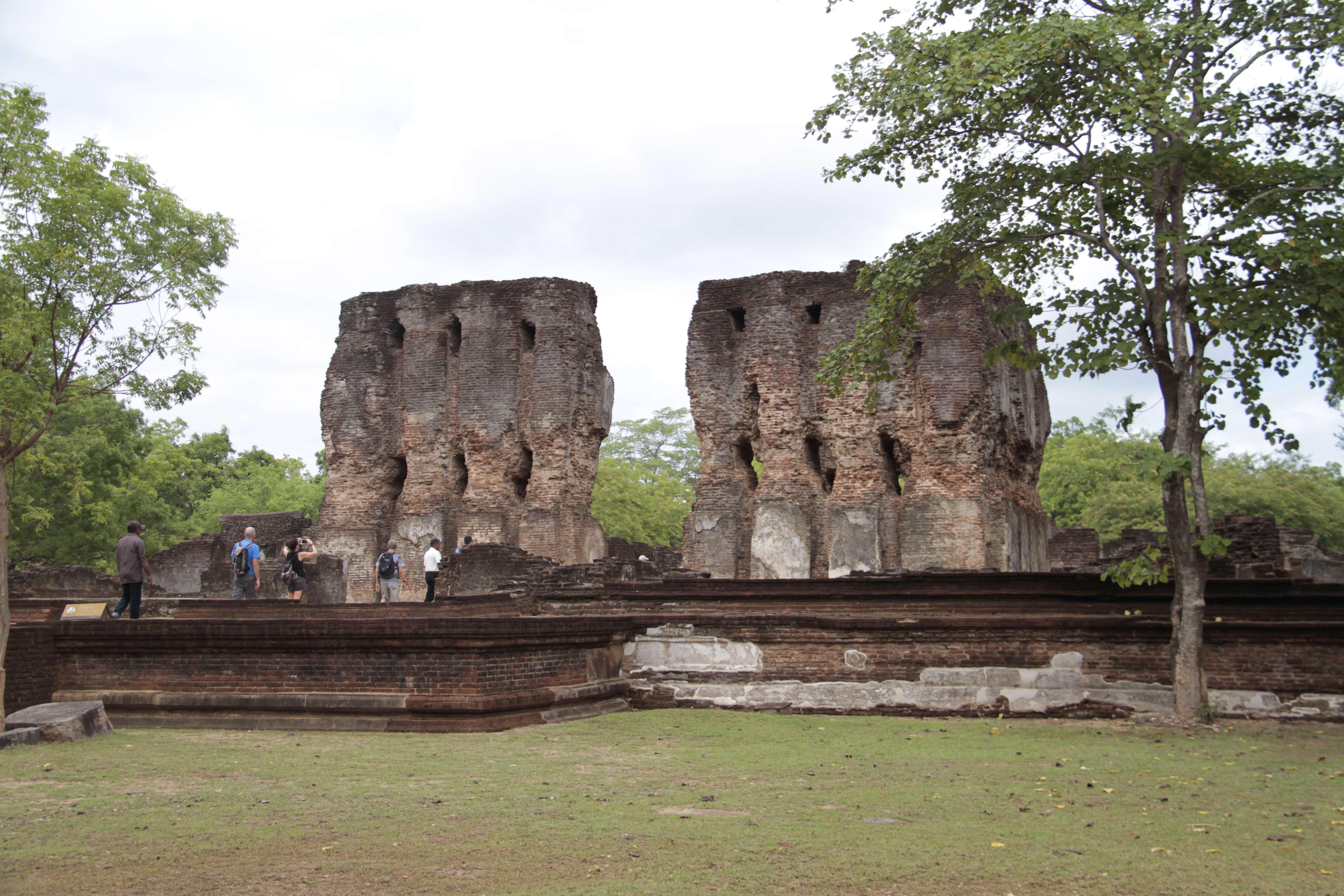 Sri Lanka aout 2017_0254 Polonnaruwa Vejayanta Pasada ou palais royal