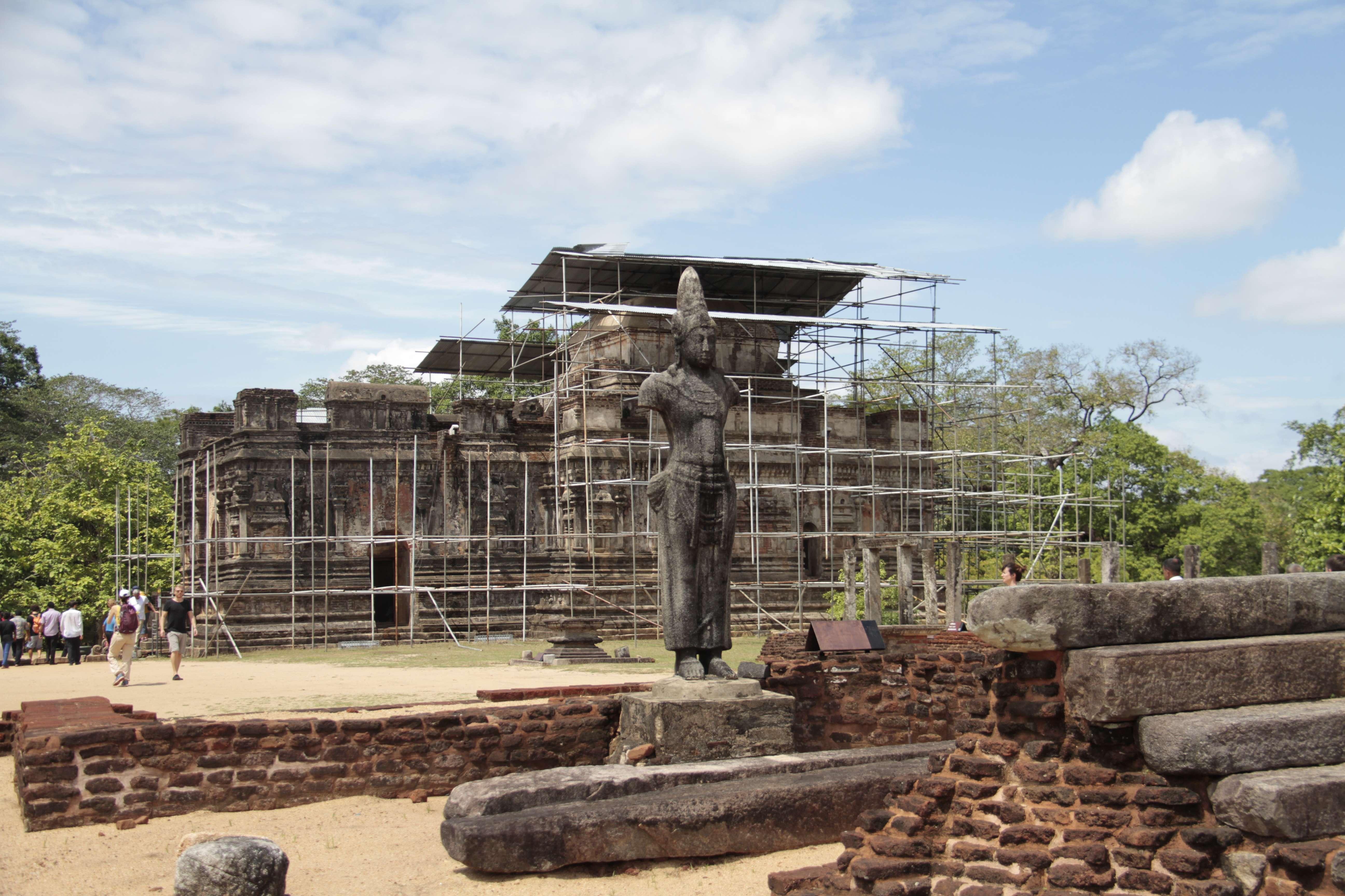Sri Lanka aout 2017_0265 Polonnaruwa terrasse de la relique de la dent Thuparama