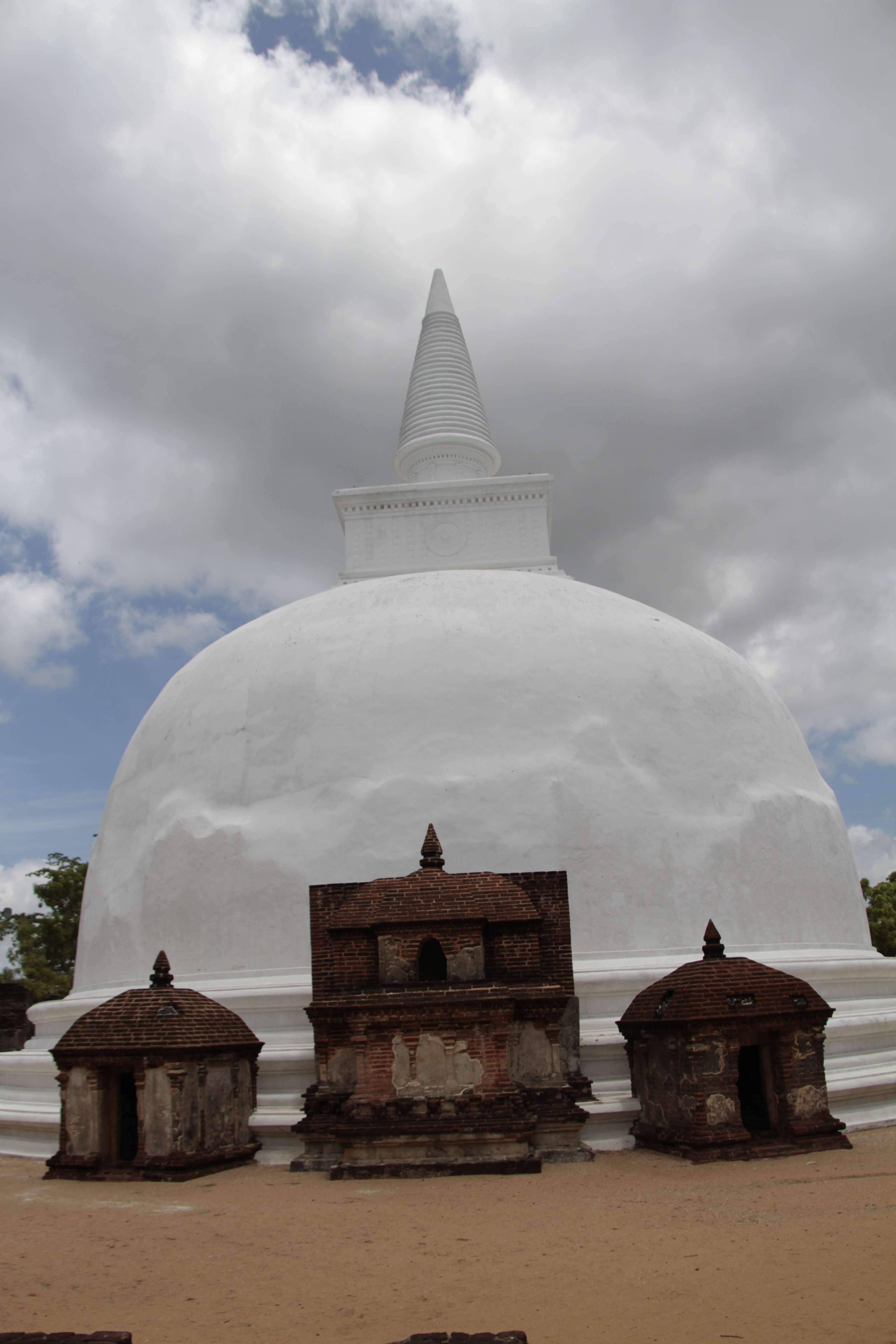 Sri Lanka aout 2017_0293 Polonnaruwa Kiri Vihara