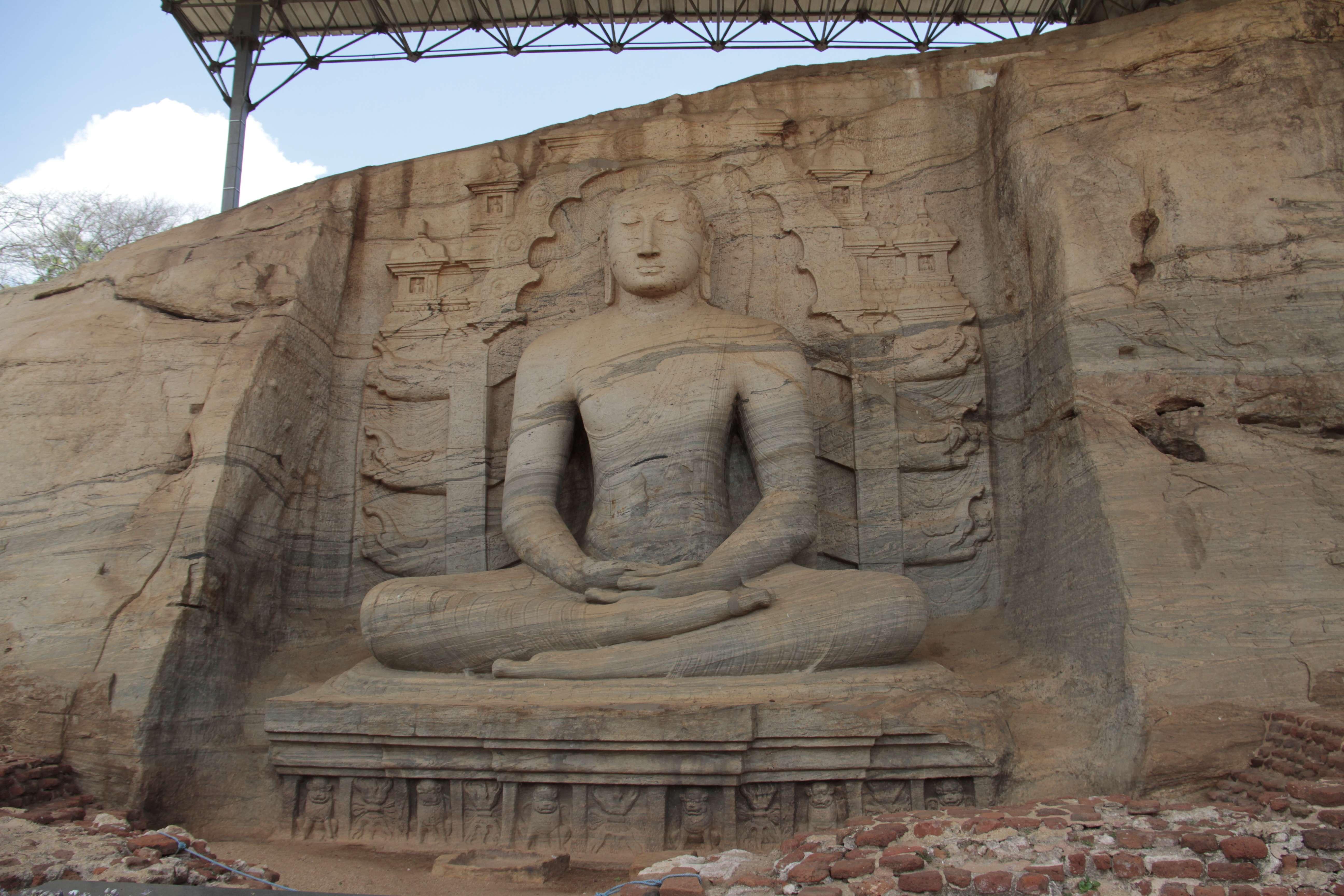 Sri Lanka aout 2017_0295 Polonnaruwa Kalu Gal Vihara