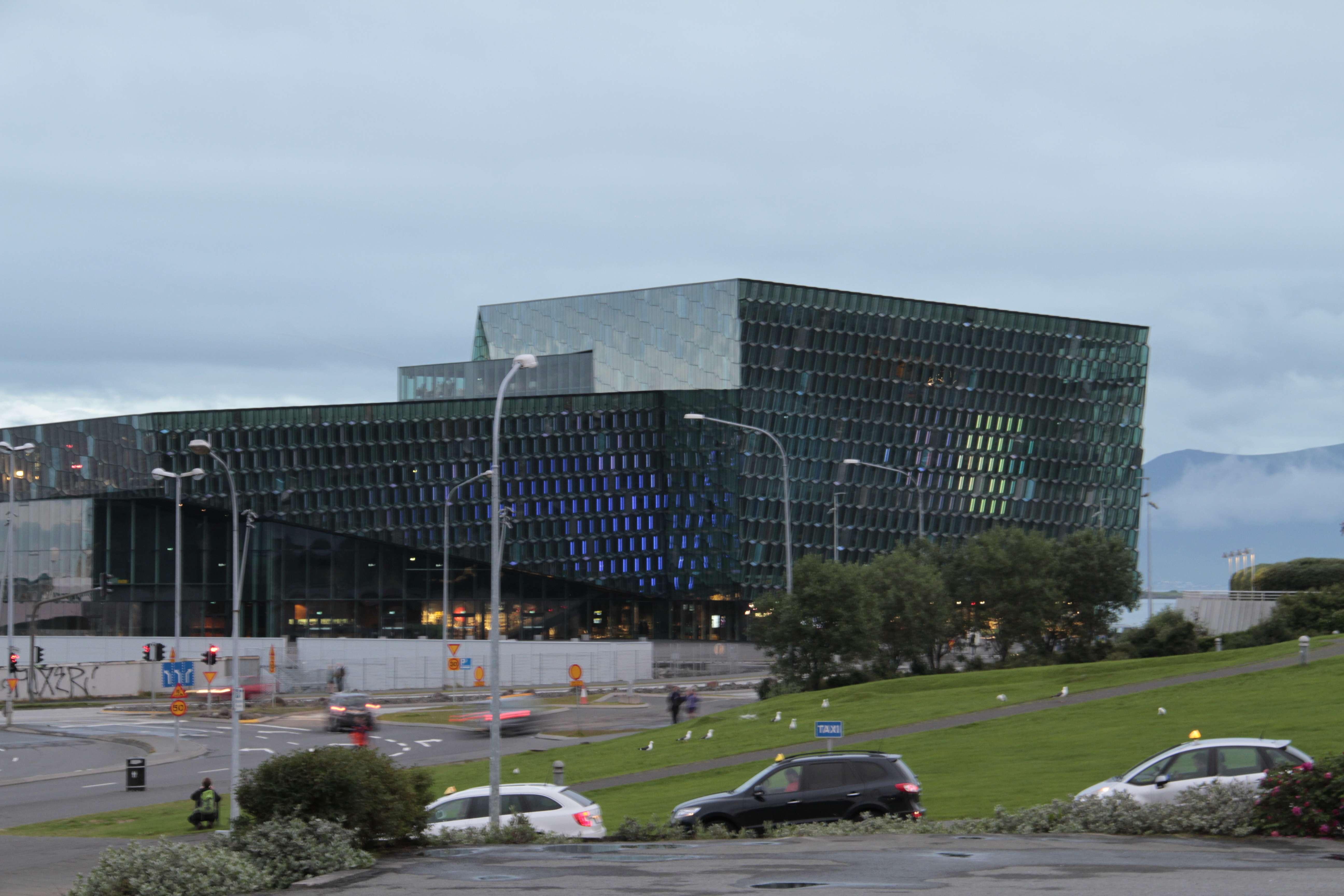 Islande_0646 Reykjavik Harpa 19 juillet