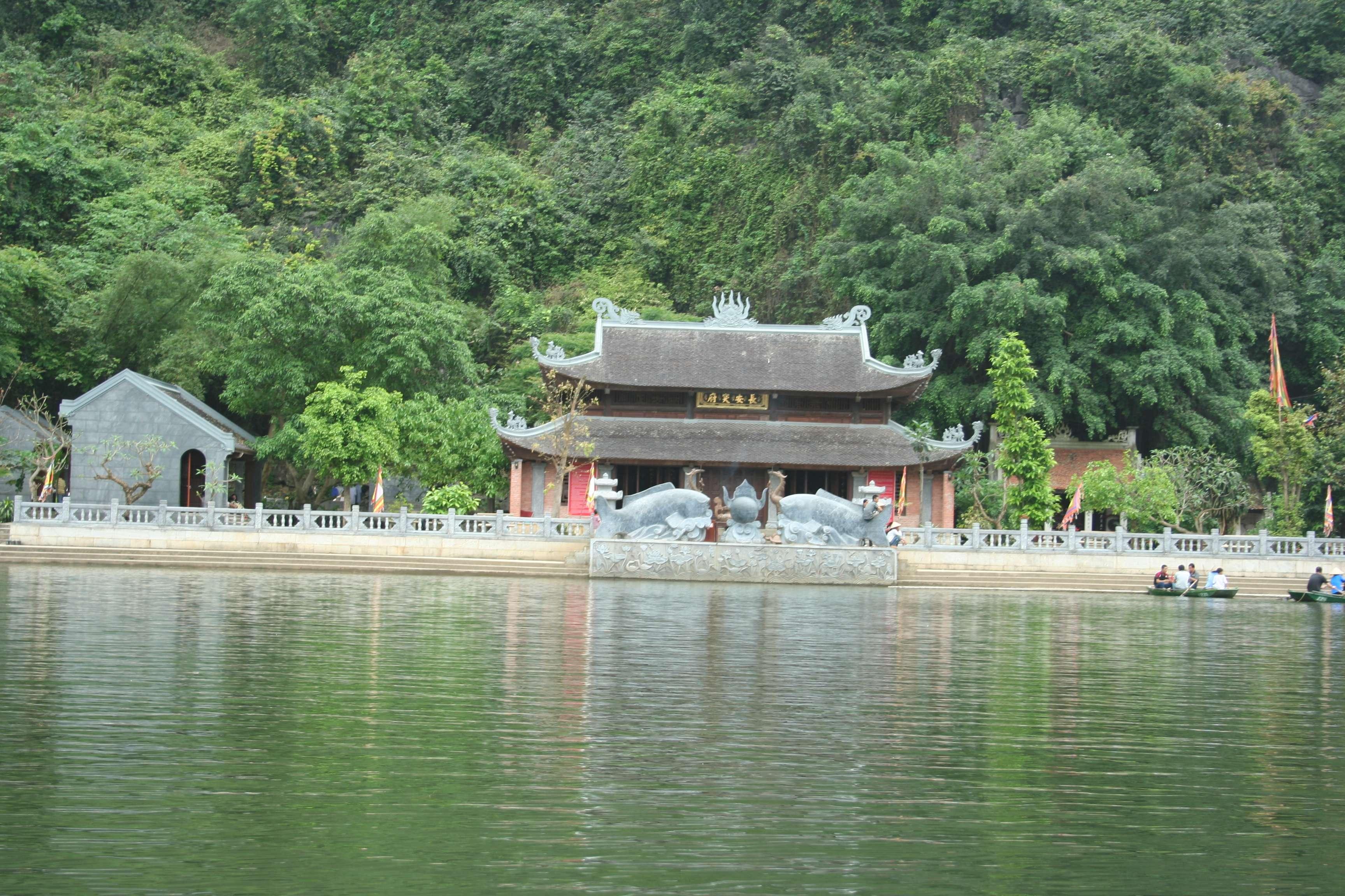 20120414_219 sortie en barque Trang An