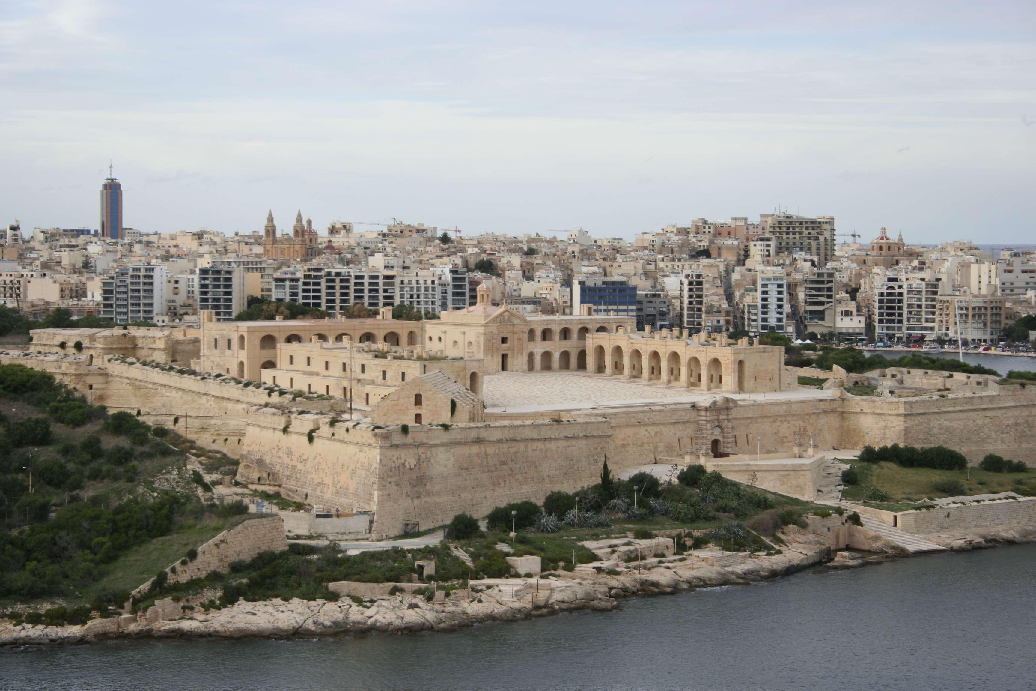 Malte 4973 La Valette vue sur Manoel Island