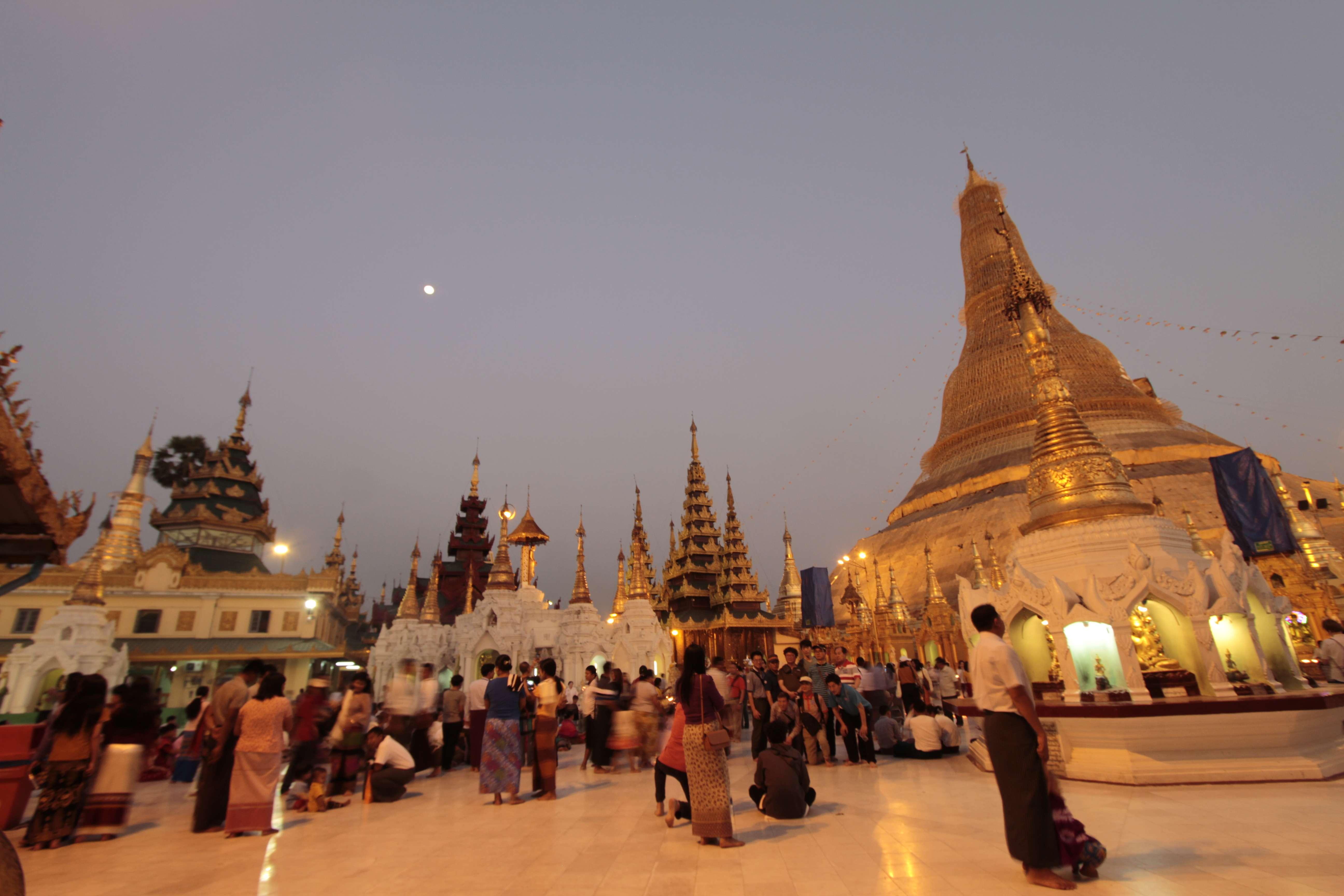 Myanmar fevrier 2019_0072 Yangon Shwedagon pagoda