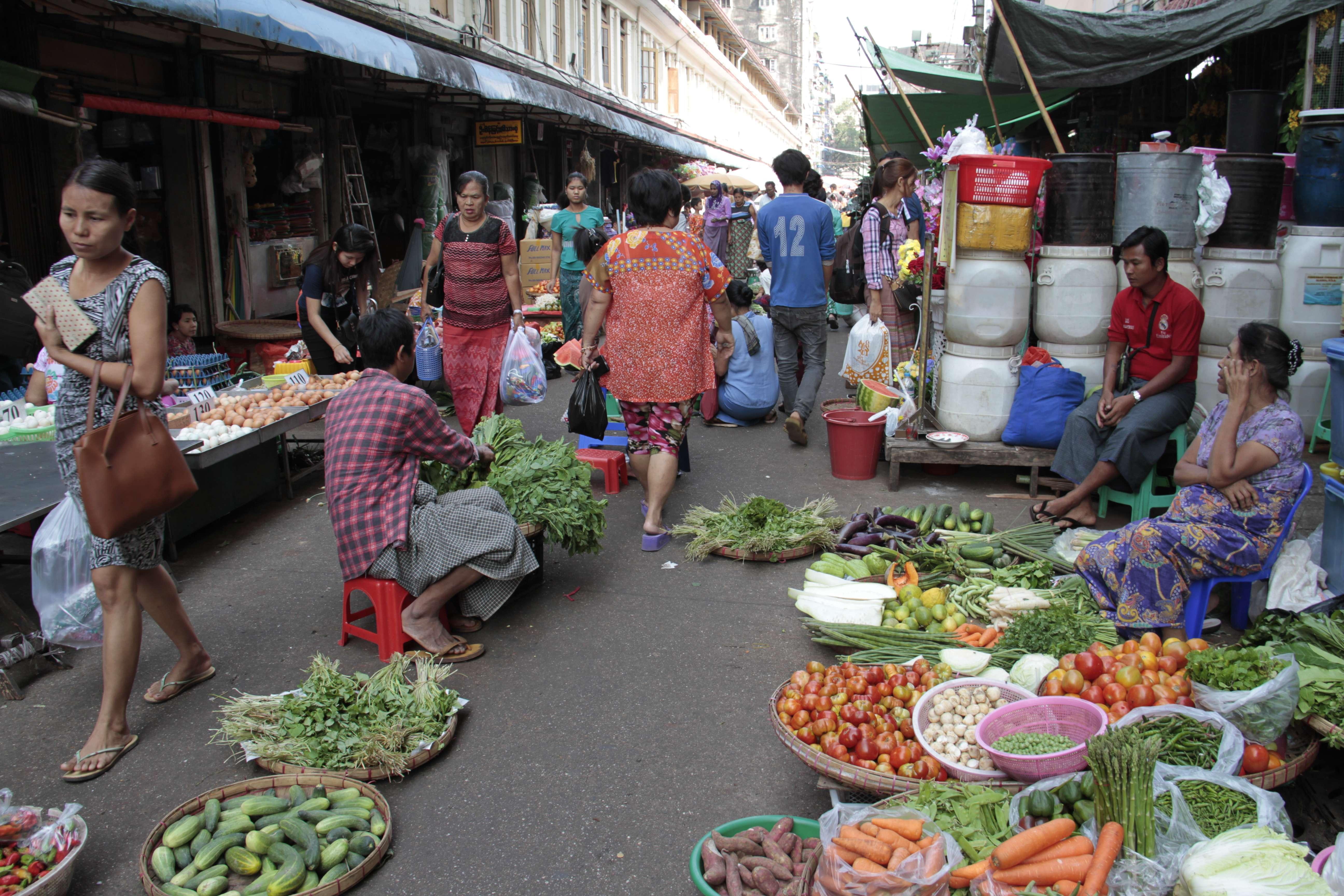 Myanmar fevrier 2019_0094 Yangon marche de rue