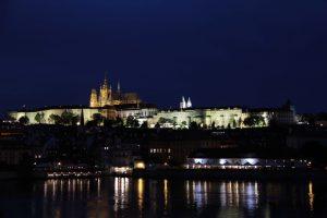 Prague_0085 chateau depuis le pont Charles